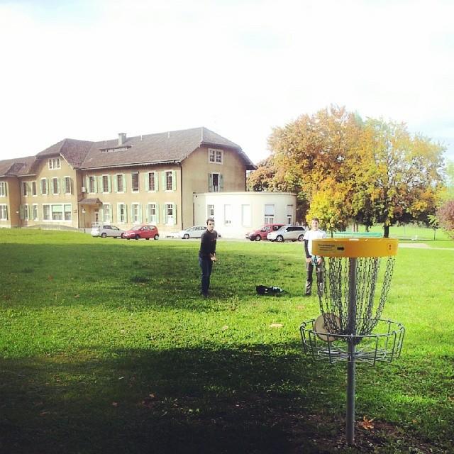 Le disc golf de belle idée.
