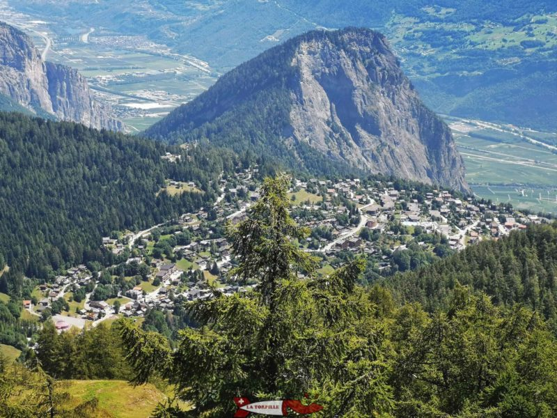 La vue depuis le sommet du télésiège sur Ovronnaz.