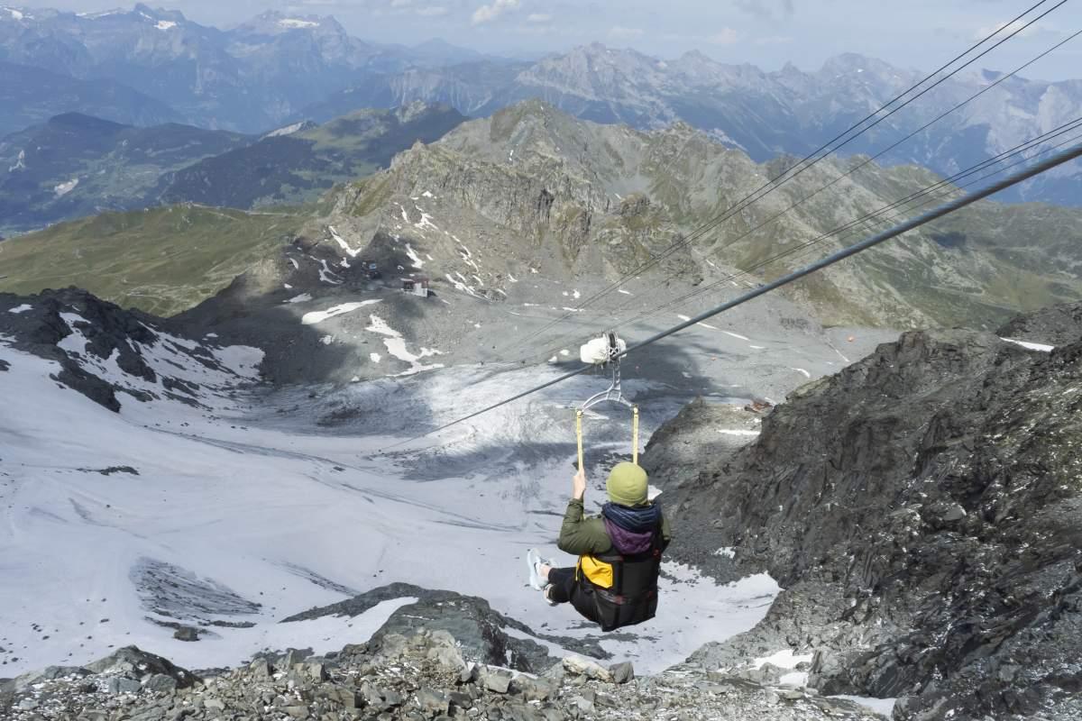 Mont 4 Zipline est la tyrolienne la plus haute du monde.