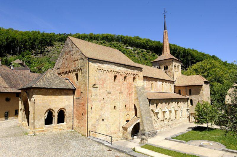 L'abbatiale de l'abbaye de Romainmôtier.
