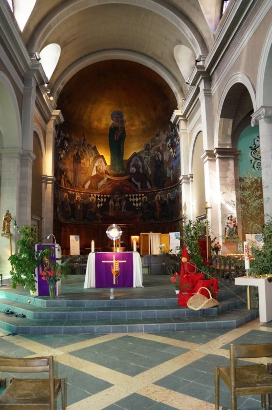 L'intérieur de la basilique de Lausanne. Photo: notrehistoire.ch
