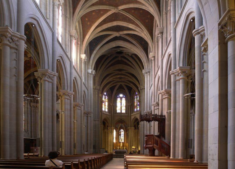 L'intérieur de la basilique Notre-Dame de Genève