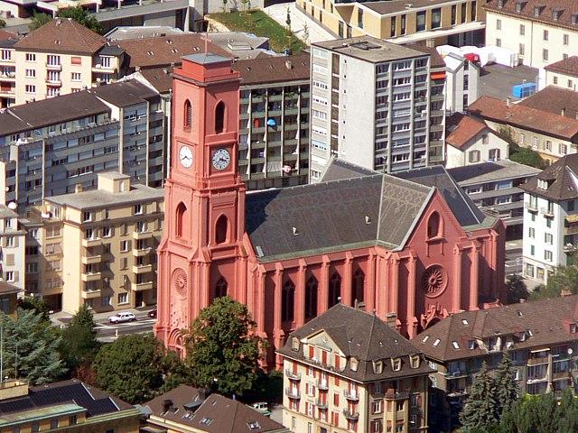 Une vue aérienne de la basilique de Neuchâtel.