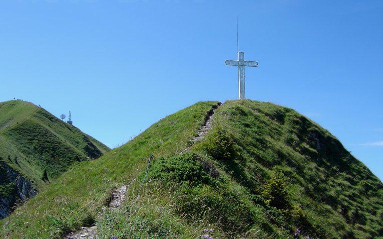 La croix est le symbole du Christianisme, la religion majoritaire en Suisse.