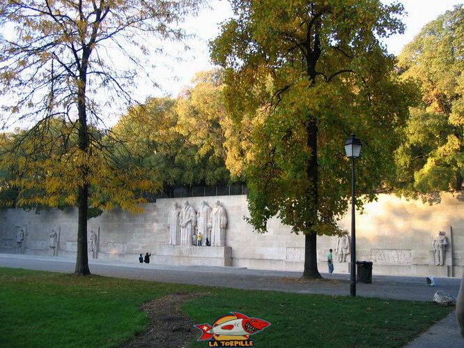Le Mur des Réformateur dans le Parc des Bastions au centre de Genève.