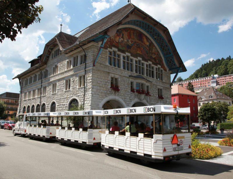 Le petit train touristique du Locle.
