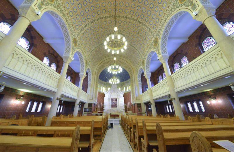 L'intérieur de la synagogue de Lausanne.