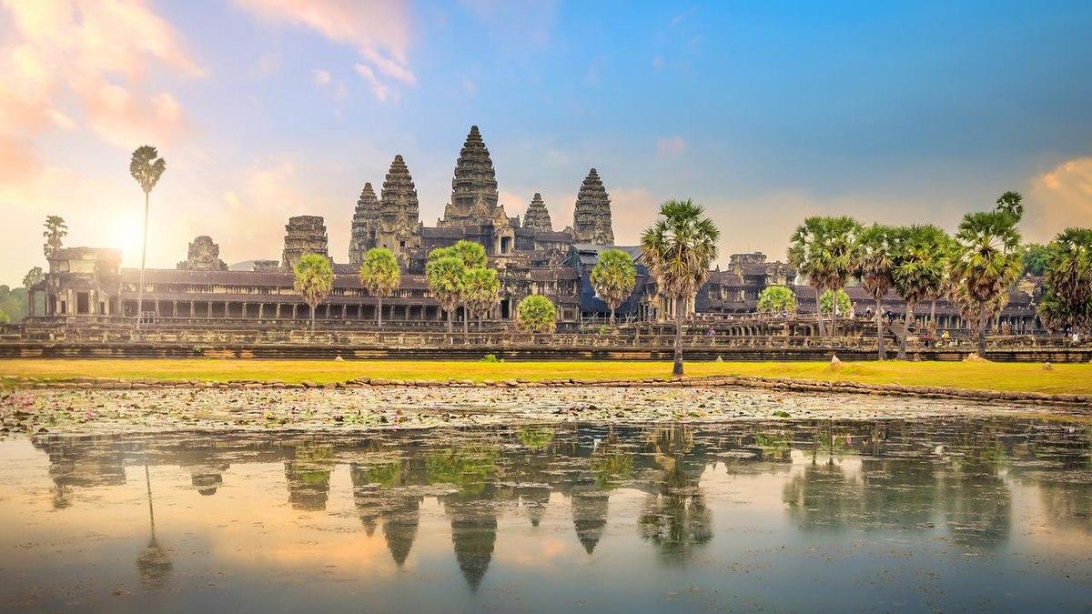 Le temple d'Angkor Wat au Cambodge est le plus grand monument religieux au monde.