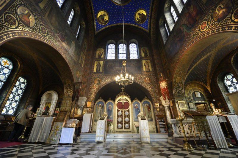 L'intérieur de l'église de la Sainte Mégalomartyre Barbara.