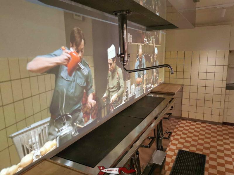 La Cuisine avec une très amusante animation vidéo murale.