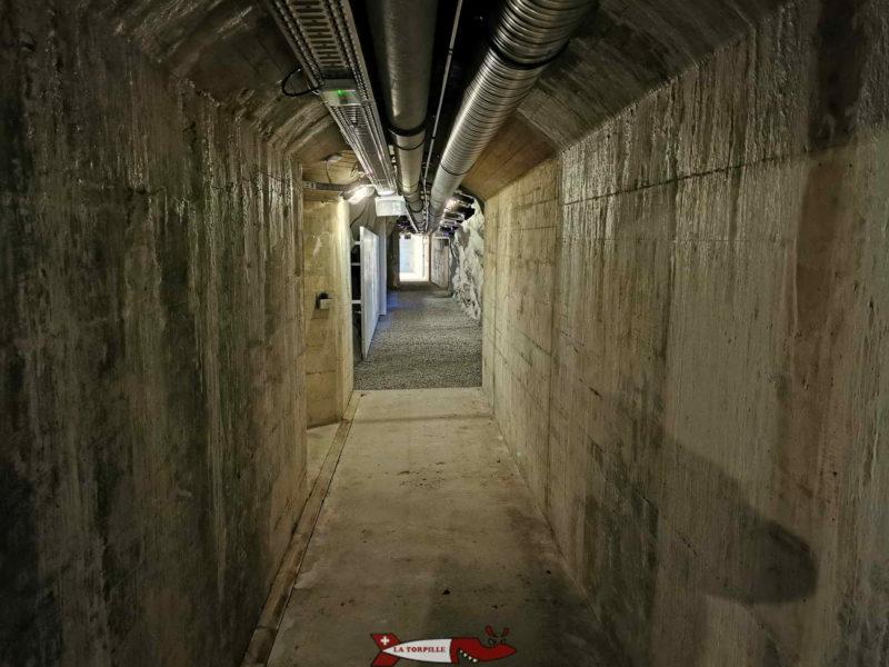 couloir menant à la sortie panorama du fort de chillon