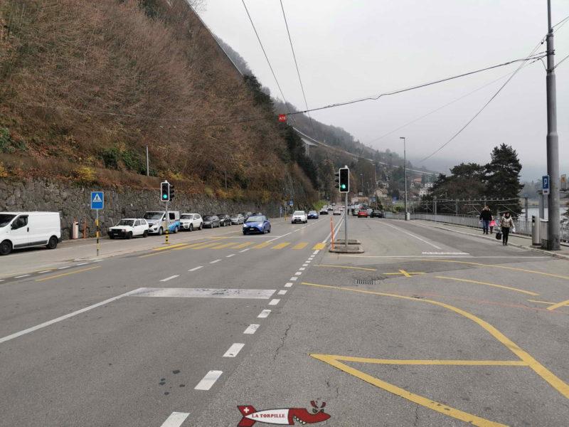 Les places de parking pour se rendre au fort de Chillon.