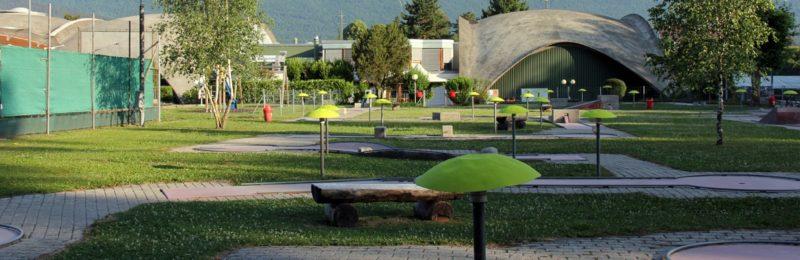 Le minigolf du Centre Inter Sport (CIS) de Marin comporte un parcours de 18 trous.