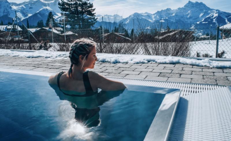 Piscine extérieure bains de villars