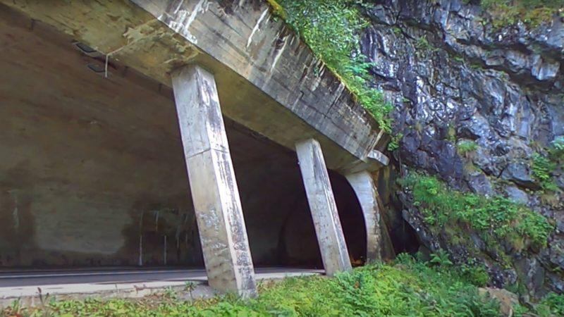 Le nouveau tunnel à travers Tête-Noire. Il est construit en 1965 et long de 189 mètres.
